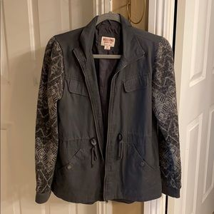 Super chic and comfy jacket